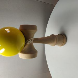 KENDAMA AMARILLO